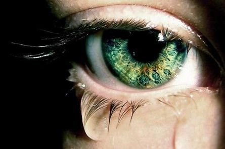 Причины повышенной слезоточивости глаз