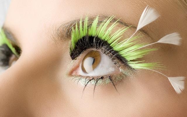 Причины и лечение отслоения сетчатки глаза