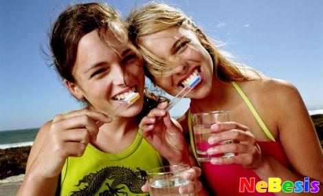 Народные рецепты для отбеливания зубов