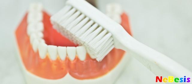 Профессиональная чистка зубов в домашних условиях