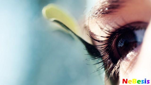Опух и покраснел глаз