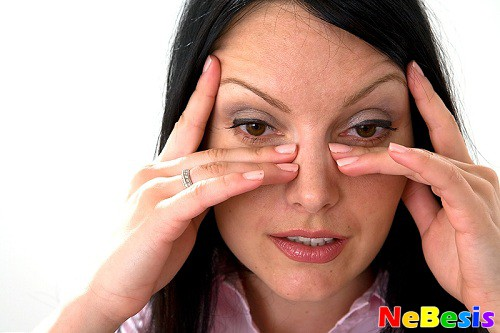 Почему чешутся глаза